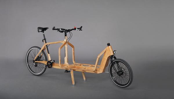 Daniel Häckermann's prize winning wooden cargo bike (picture taken from http://www.dds-online.de/ausbildung/holz-bewegt-2/)